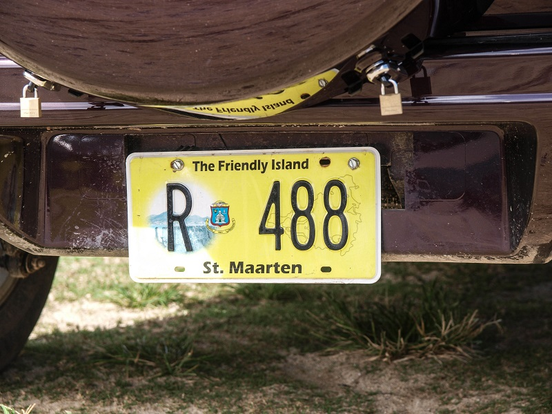 St.Maarten-license-plate