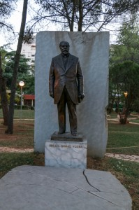 Tirana, Monument to Ismail Qemali - founder of Independent Albania