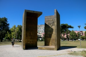 Tirana, Independence Monument