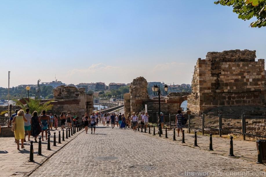 Остатки крепостной стены Несебра
