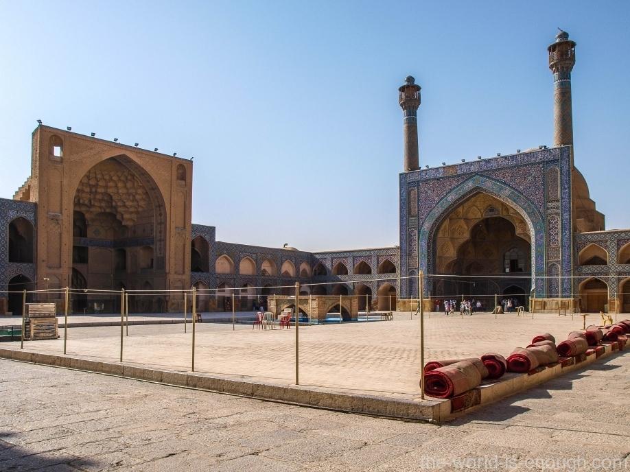 восточный айван пятничной мечети Атиг Исфахана, Шагерд (Ученик)