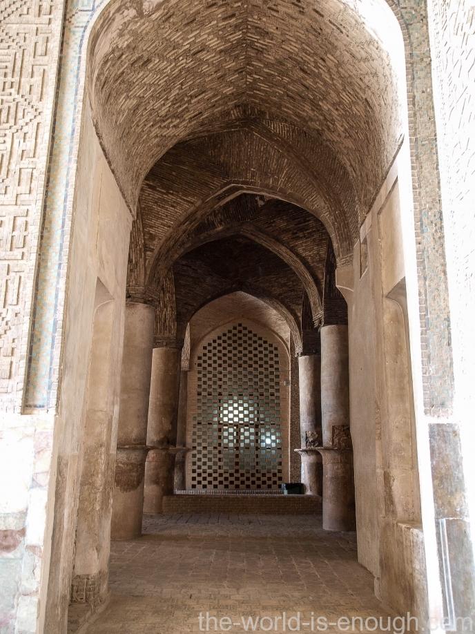 В мечети Атиг Исфахана