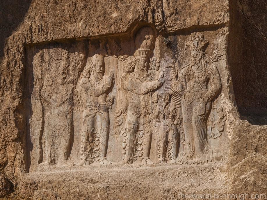 Накше-Рустам, барельеф Коронация Нарсе