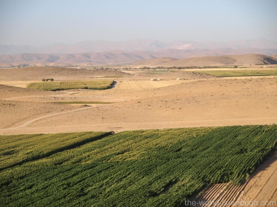 Вид с Толл-е Тахт, Пасаргады