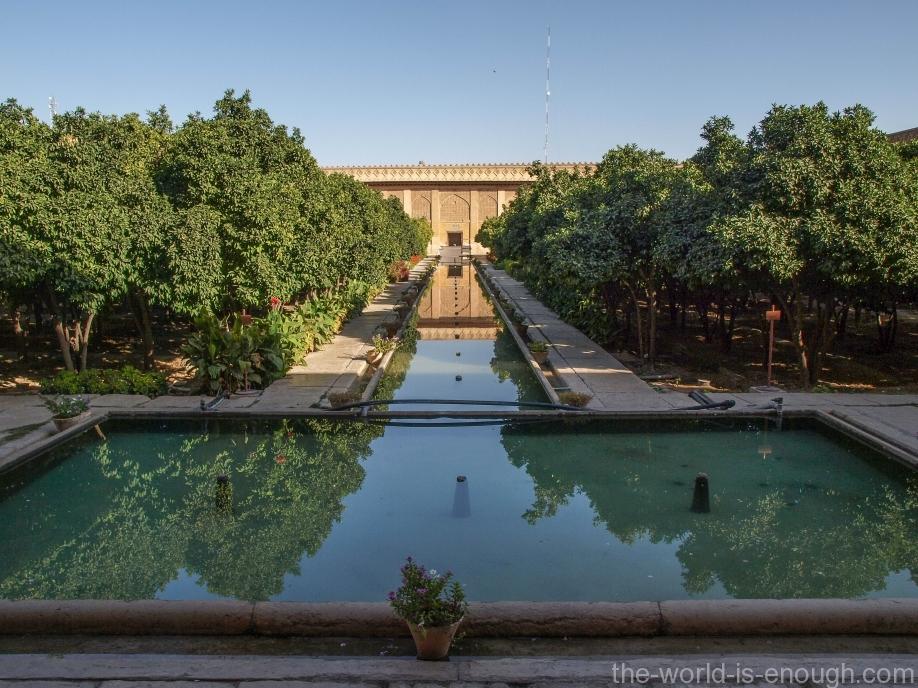 Двор крепости Керим-Хана, Шираз