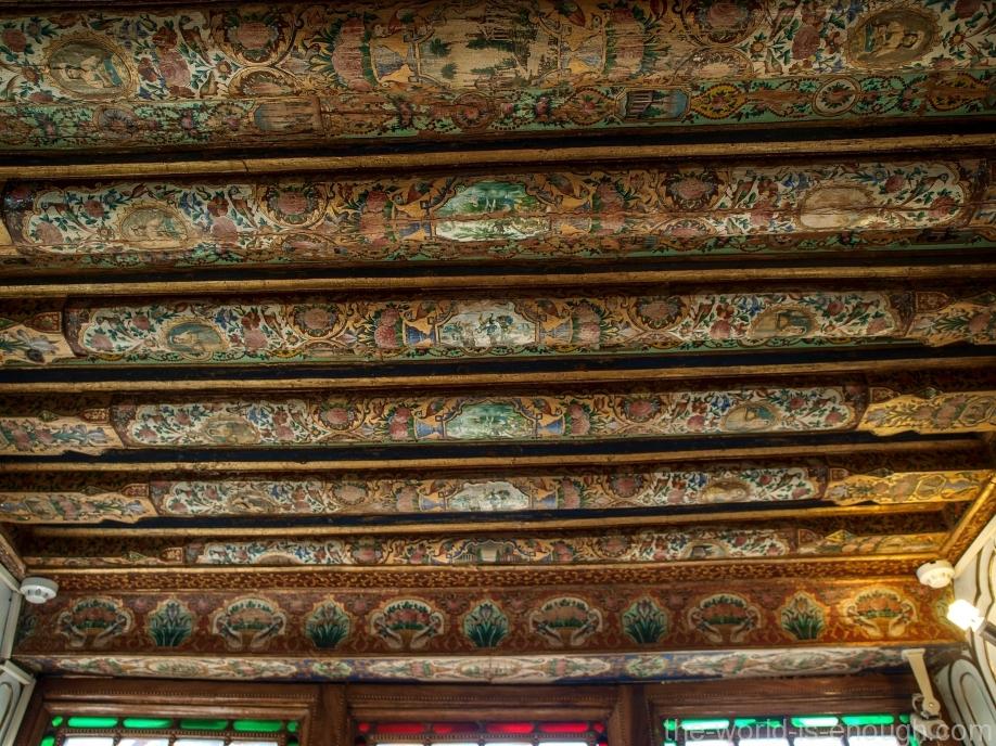 Оформление потолка в гостевой комнате в доме Кавам, Шираз