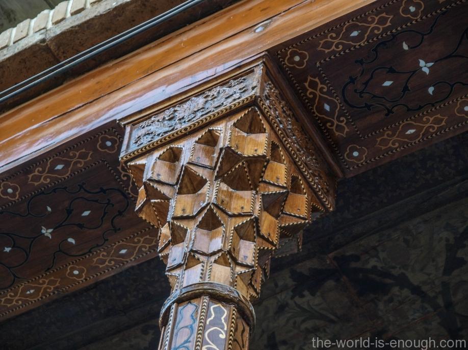 Капитель колонны в доме Кавамов, Шираз, Иран