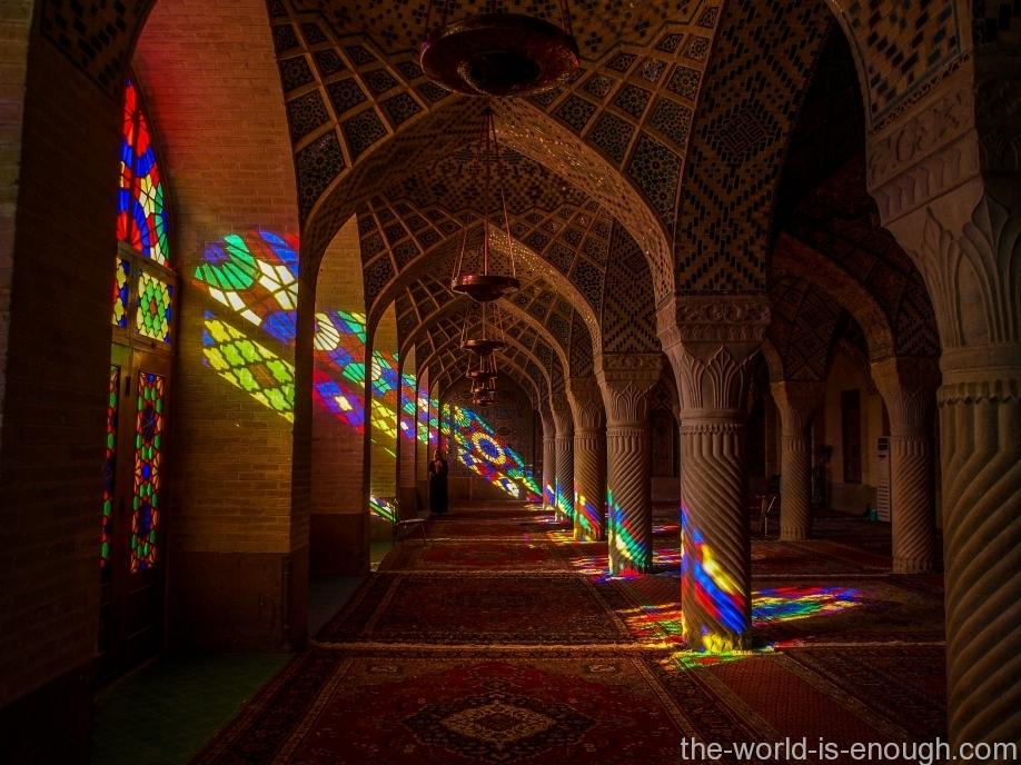мечеть красок Насир ол Молк