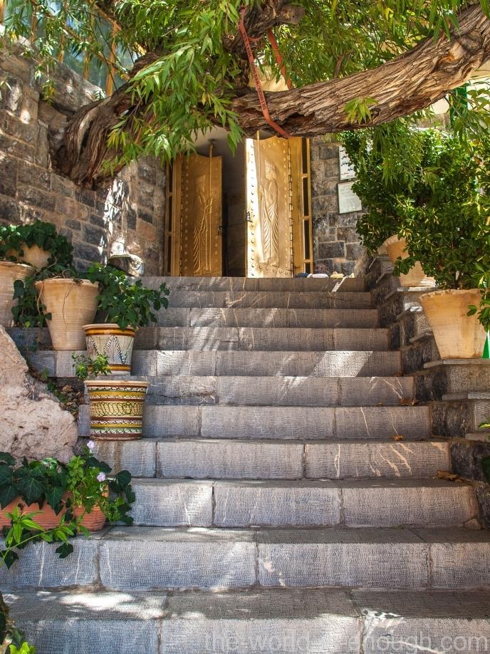 Вход в храм Пире-Сабз (Чак-Чак).