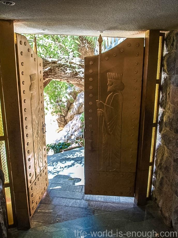 Двери храма Чак-Чак Йезд Иран