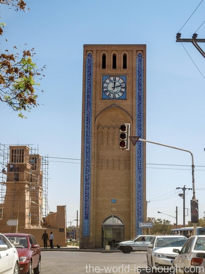 Йезд, башня с часами на перекрестке Шохада