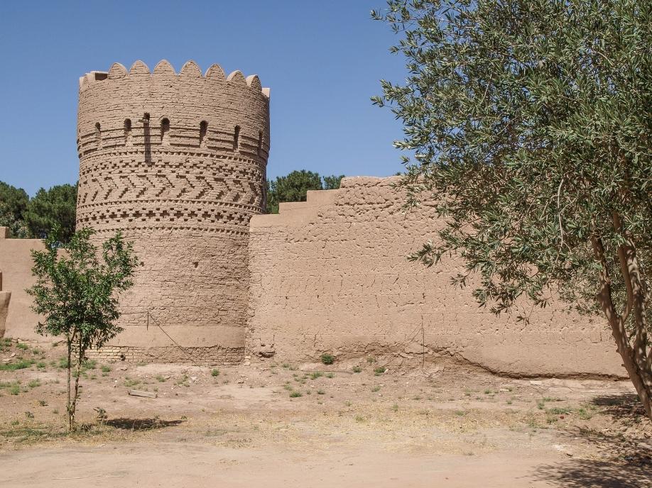 Стены сада Доулат Абад, Язд