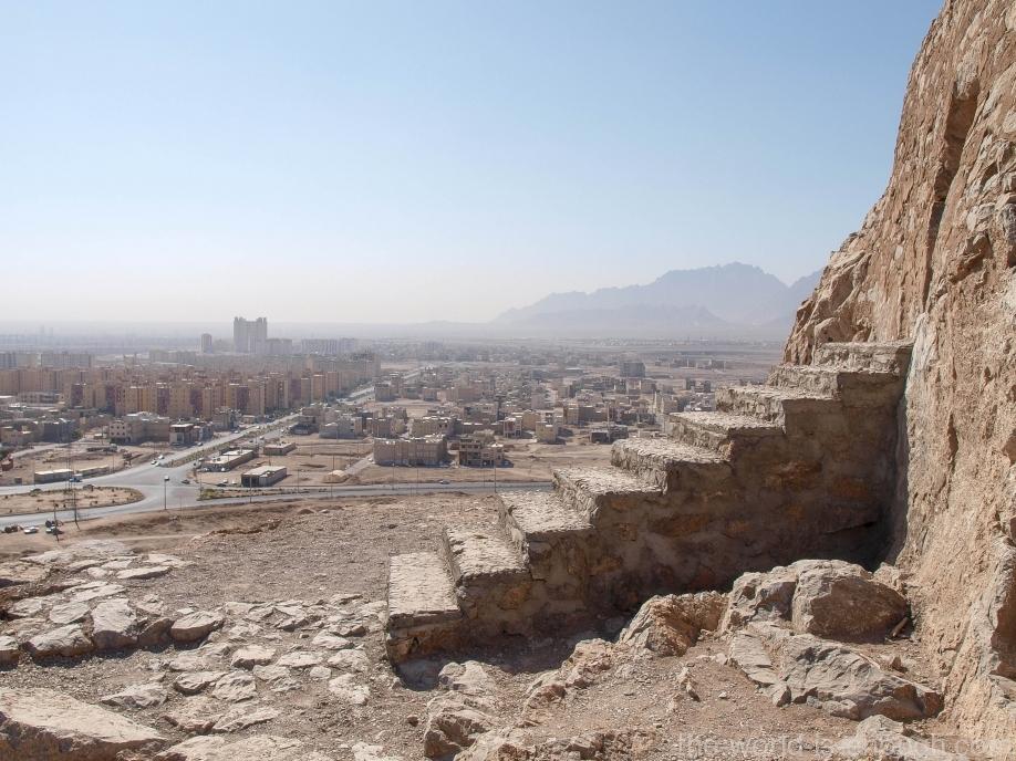 Иран, Язд, Башня молчания, вид на Язд