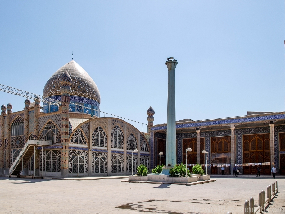 Во дворе Голубой мечети Мохаммади, Йезд. Иран