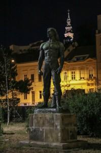 Belgrade Night, Monument to coastal workers