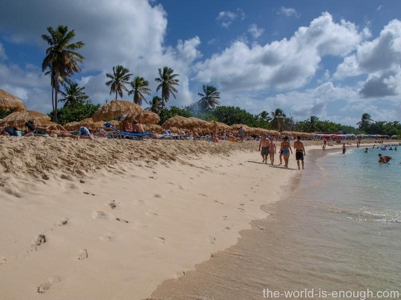 Saint Martin Island, Mullet Bay Beach