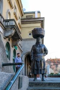 Zagreb Dolac Market,  statue of Kumica Barica