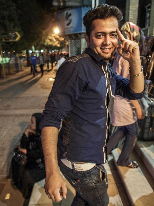 Иранская молодежь тоже любит поприкалываться