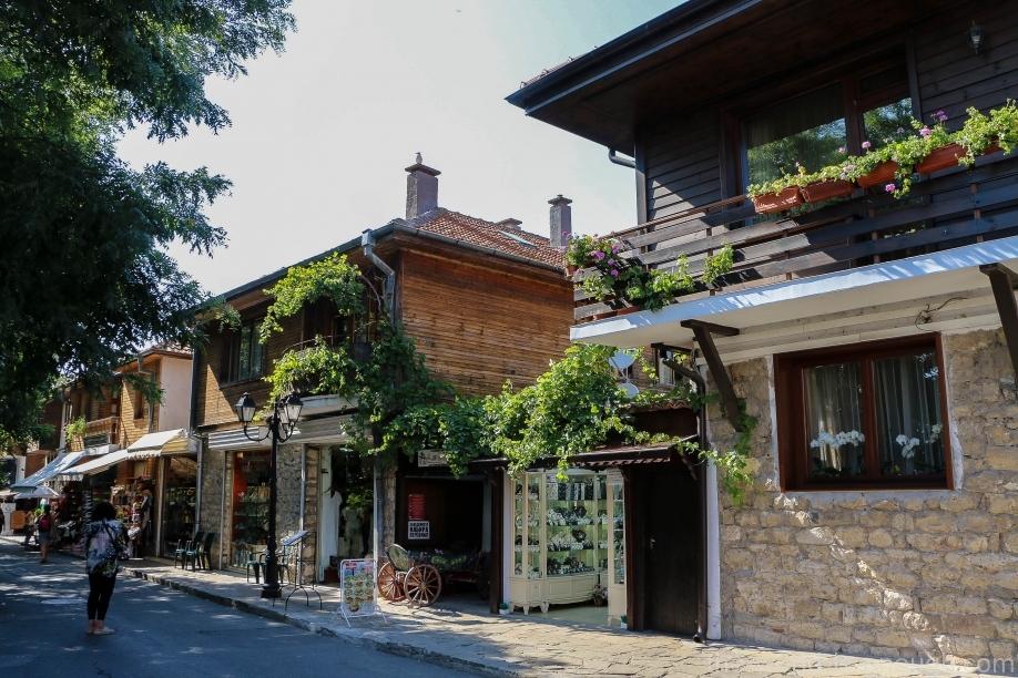 Дома по ул. Месембрия, Несебр