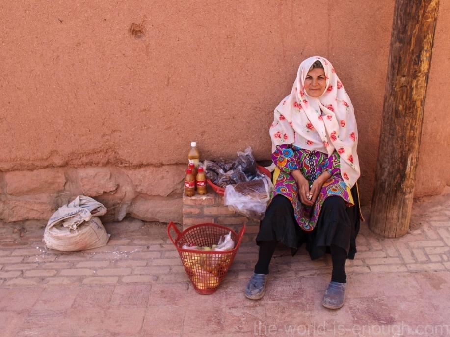 Иран, деревня Абьяни, Abyaneh woman