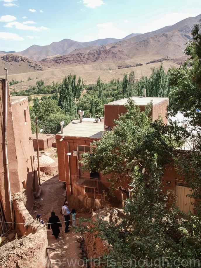 Вид с террасы Eisa & Yahya Shrine, Abyaney village