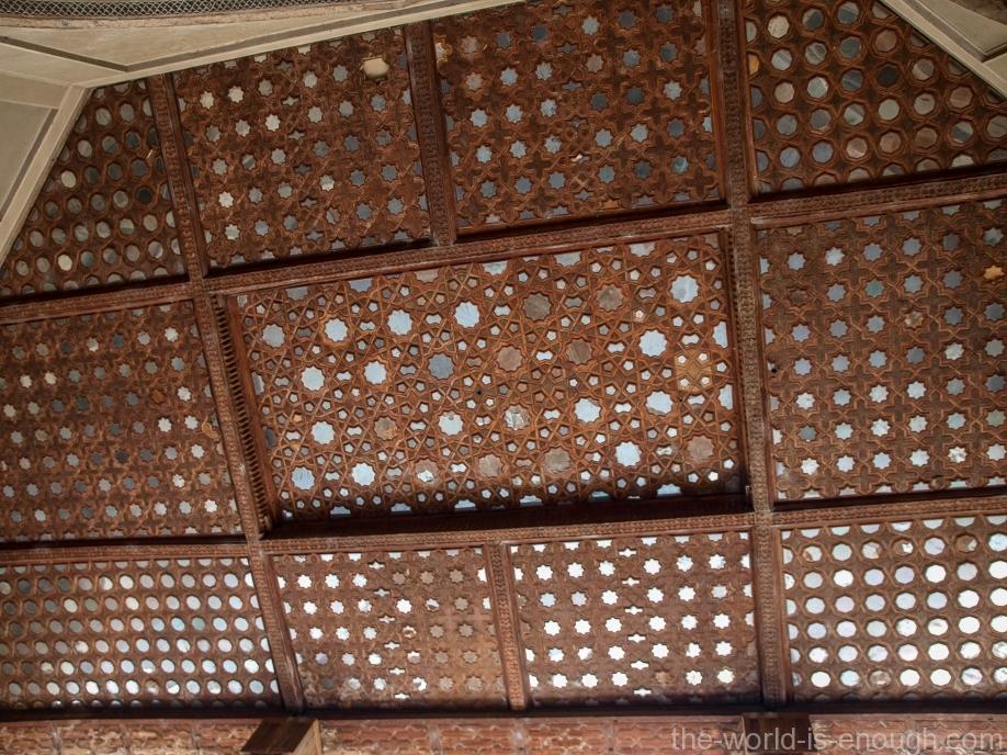 Потолки дворца Хешт-Бехешт, Исфахан, Иран