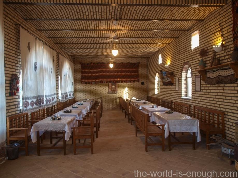Пустыня Маранджаб, Matin Abad Desert Camp Restaurante