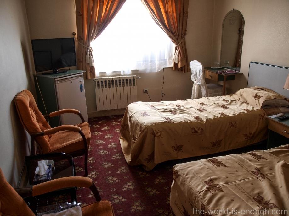 Номер в Arian Hotel, Шираз