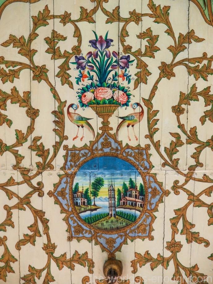 Элемент росписи потолка гостевых домнат дома Кавам, Шираз