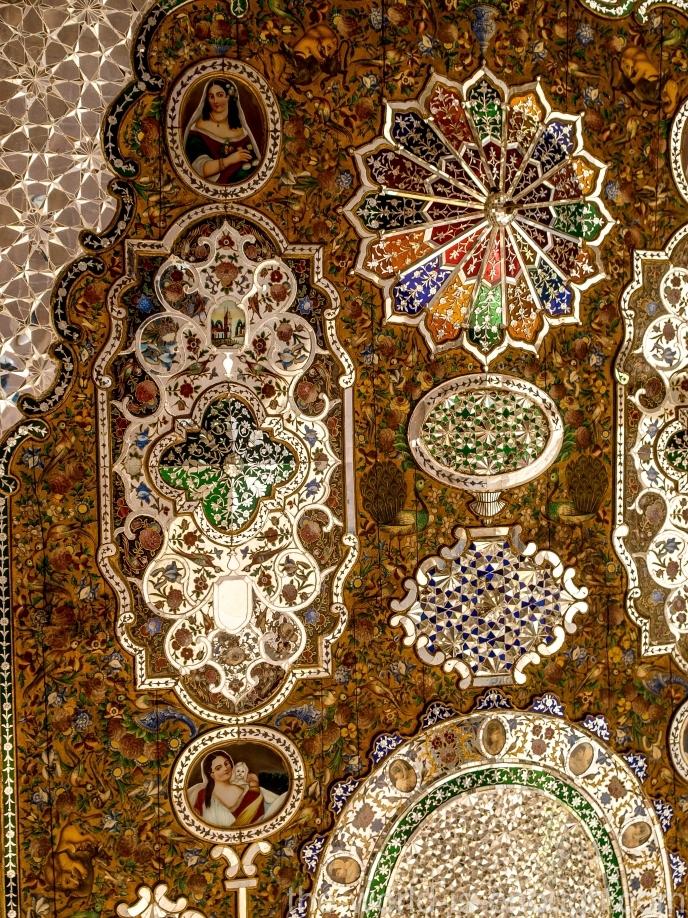 Элементы зеркальной мозаики потолка талара дома Кавамов, Шираз