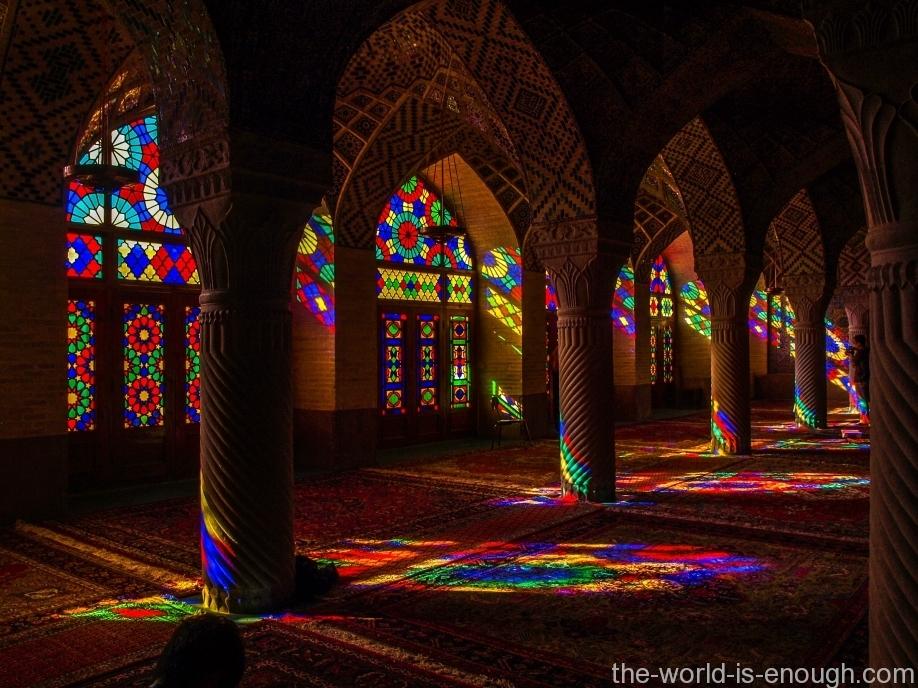 Насир аль-Молк, радужная мечеть