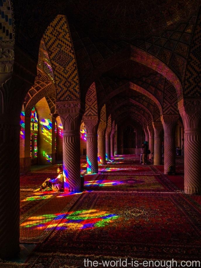 Насир аль-Мульк, радужная мечеть